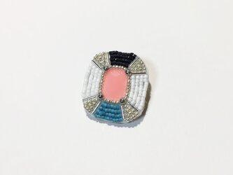 【片耳】宝石型の刺繍ピアスの画像