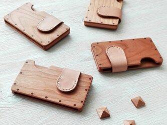 【受注制作】a card case チェリー×ナチュラル 木と革の名刺入れの画像
