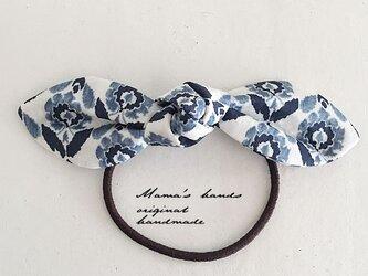 リバティ 青 紺色 北欧風 花柄 リボン ヘアゴム♪の画像