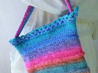 手編み・小さなポーチ・虹色を探しての画像