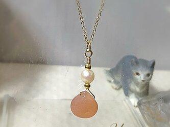 オレンジムーンストーンの一粒ネックレスの画像
