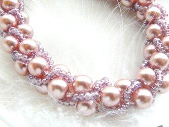 桜のつぼみ: : : ビーズクロッシェブレスレット : : : ピンク×パープルの画像