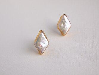 金箔とパールのスタッドピアス/Gold&White diamondの画像