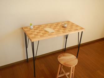 市松模様のカフェ机【二色市松】の画像