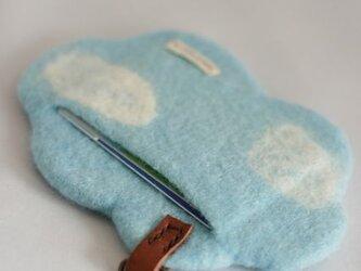 「雲のカタチ」のカードケース(ブルー)の画像