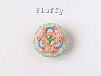 春のお花の刺繍ブローチ(ラナンキュラス)の画像