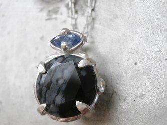 スノーフレークオブシディアンのネックレスの画像