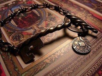 オールドコイン キー ブレスレットの画像