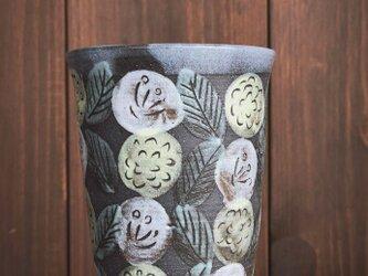 花模様の釉彩カップの画像