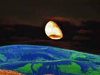 風景写真 合成  ( 冨士山二つ塚と月 ) A3プリントの画像