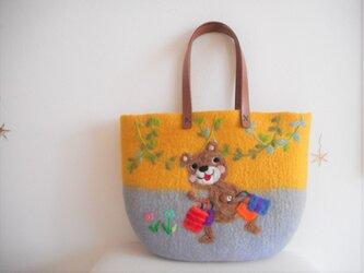 気分も上がるお買い物に クマさん ご機嫌バッグの画像