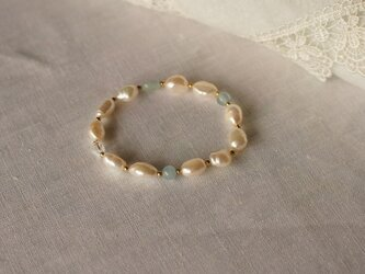 淡水真珠のブルーブレスレットの画像
