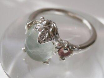 プレナイトとピンクトルマリンのリングの画像
