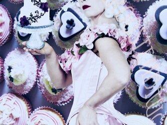ピンク・カップケーキのマリー・アントワネットの画像