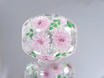 八重桜のとんぼ玉(ガラス玉)の画像
