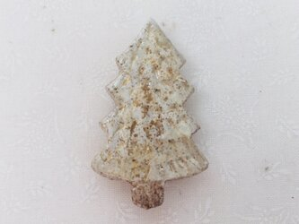 tree brooch 白の画像