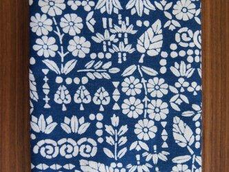 天然藍の型染め手拭い  草木花の画像