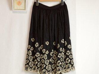 【受注生産】クラッシュシルク*スカラップ刺繍スカートの画像