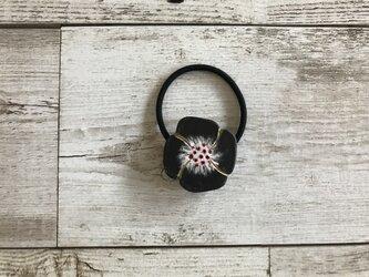 花のヘアゴム/E-黒の画像