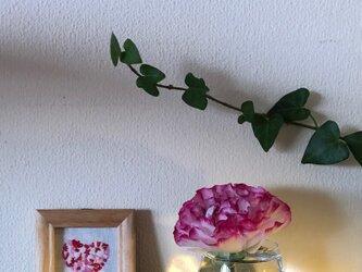 手刺繍 壁飾り Heart of feelings ハートの画像