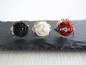 薔薇姫❖花指輪 つまみ細工 卒業式・リング・成人式・お呼ばれ・着物の画像