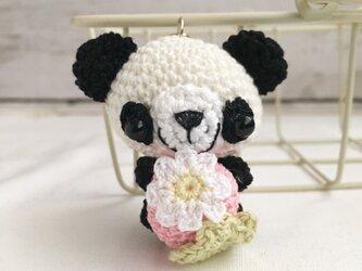 【受注生産】ピンク色イチゴ・白黒パンダさん*鈴付きイヤホンジャックストラップの画像