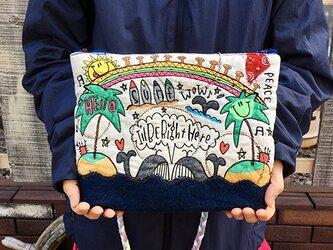 ペアクジラ刺繍ショルダーの画像