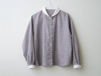 播州織コットン・ネル*ゆったりシルエットのクレリックシャツ(グレー千鳥格子×赤チェック)の画像