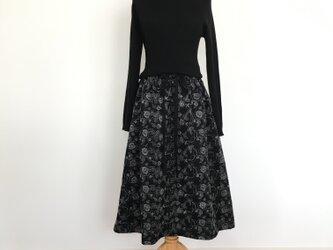 花柄刺繍ギャザースカートの画像
