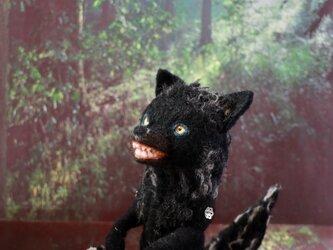 羊毛フェルト 黄色の目の黒オオカミ 狼 ハンドメイド ミニチュア 動物 ぬいぐるみ ドールの画像