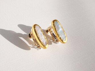 金箔とパールのイヤリング/oval/受注生産の画像