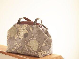 パープルフラワーのクラシカル Bagの画像