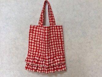着物地でタックギャザー入りフリルバック 絹 リメイク アンティーク 赤柄の画像