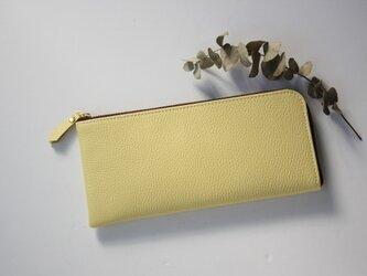 【レモンイエロー】牛本革のスリムな長財布 シュリンクの画像
