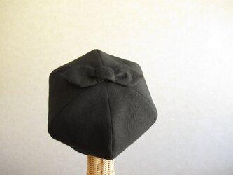 てっぺんにリボンのベレー帽 コットンリネン 黒の画像