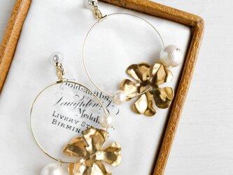 【イヤリング】ヴィンテージ 真鍮 花びら フープの画像