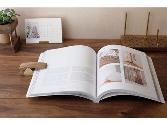 真鍮とウォールナットのブッククリップ No7の画像