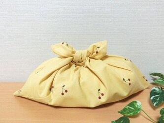 あずま袋 サクランボ柄 黄色 お弁当包み ファスナー無しのバッグインにもの画像