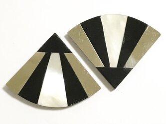 ヴィンテージパーツ 貝貼り合わせモチーフ D (ハマーシェル)  2個入りの画像