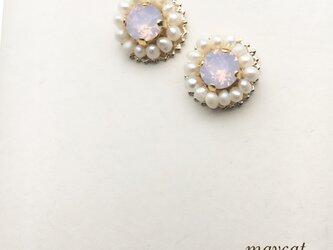淡水パールとピンクオパールの小さなイヤリングの画像