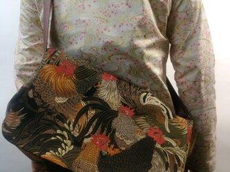 和柄メッセンジャーバッグ(鶏図)茶の画像