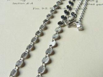 サークルモチーフのネックレスの画像