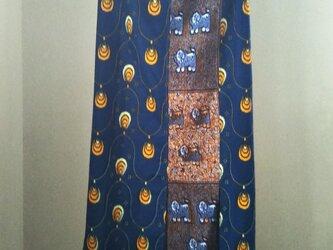 アフリカの布でワンピース、スヌード、アクセサリーの画像
