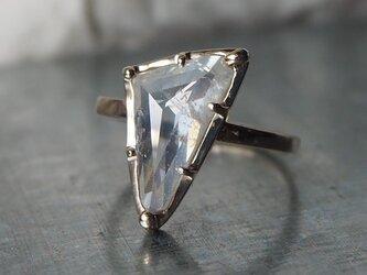 大粒ホワイトカラーナチュラルダイヤモンドリングの画像