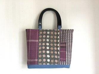 着物リメイク 薄紫・グレー トートバック パッチワーク 絹 持ち手つきの画像