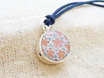 銀製の鈴『桜モチーフ』(シルバー925+レジン)根付・帯飾りの画像