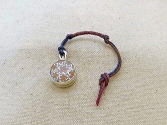 銀製の鈴 『 桜モチーフ 』 (シルバー925+レジン) 根付・帯飾りの画像