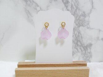 春花イヤリング 薄ピンクの画像
