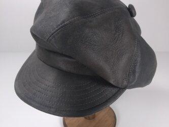 Gray leather bleach big casquetteの画像