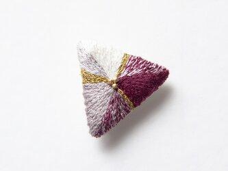 三角ブローチ 沈丁花の画像